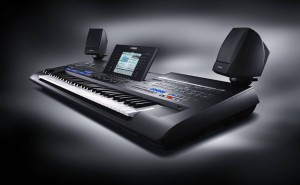 Yamaha_Tyros4_black_edition_a